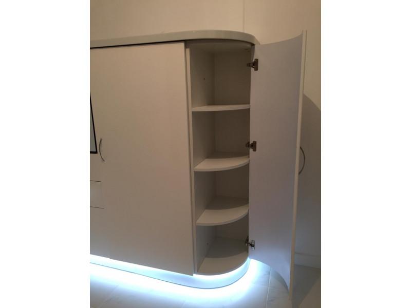 Бонни - современная, одноярусная, белая кухня без верхних шкафов