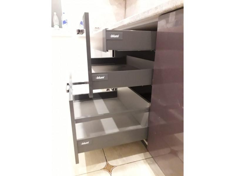 Угловая кухня Дженн