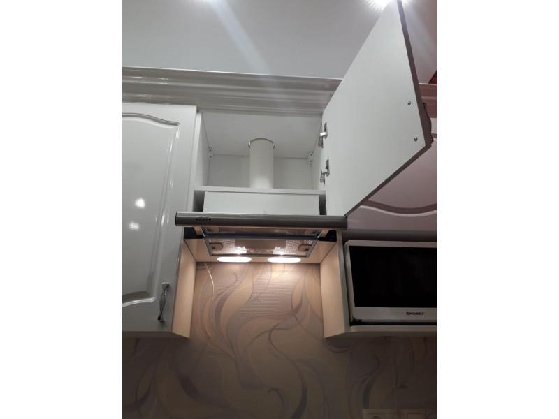 Вивьен — линейная, классическая кухня белого цвета из МДФ в пленке ПВХ